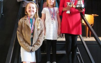 Young singers in 'Roses' contest